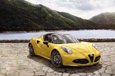 3. 2019 Alfa Romeo 4C Spider_front_right